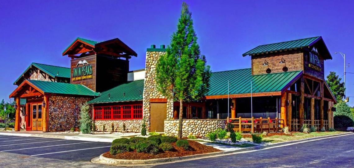 Twin Peaks Restaurant & Bar